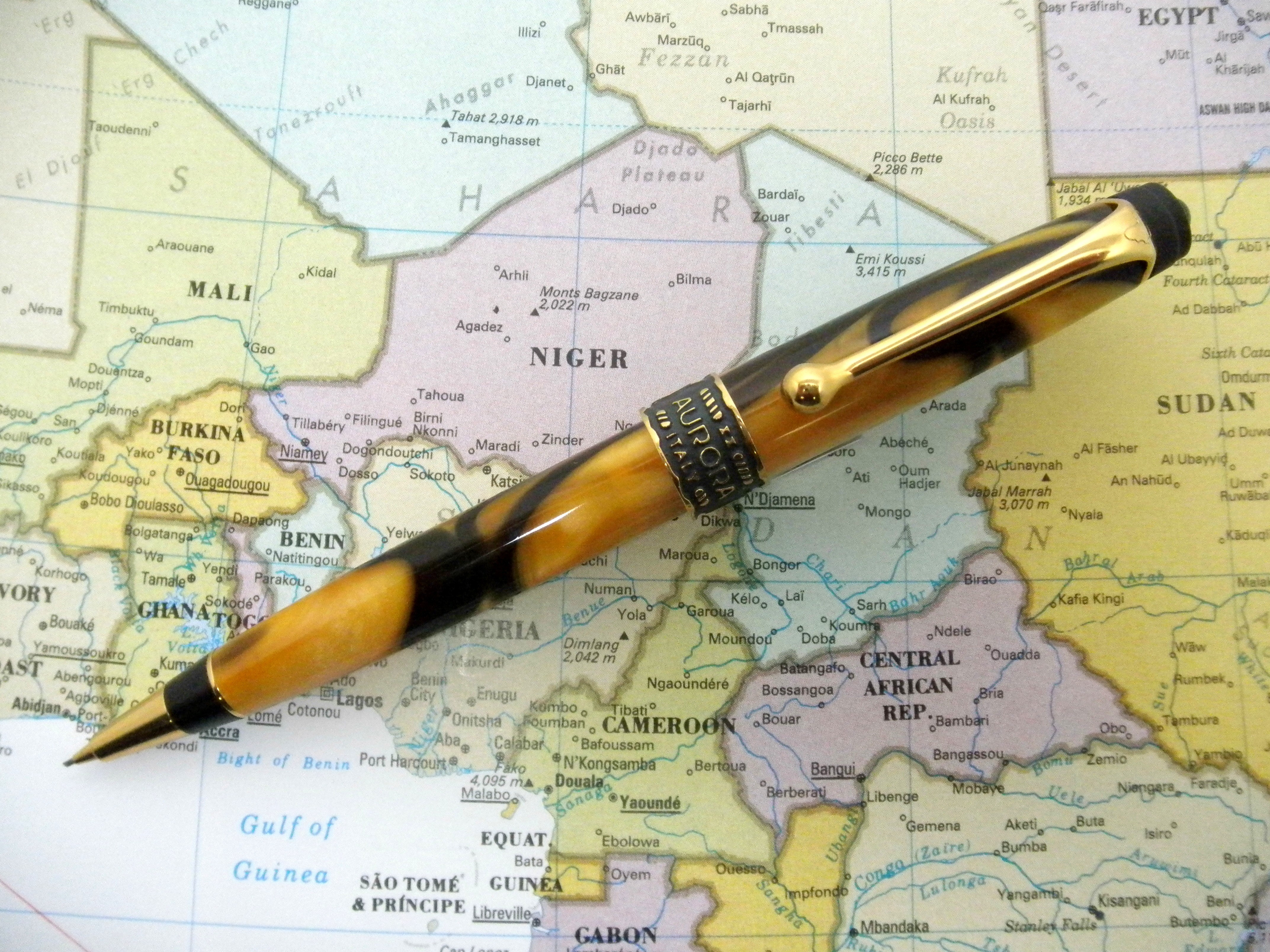 Aurora Afrika .7mm pencil