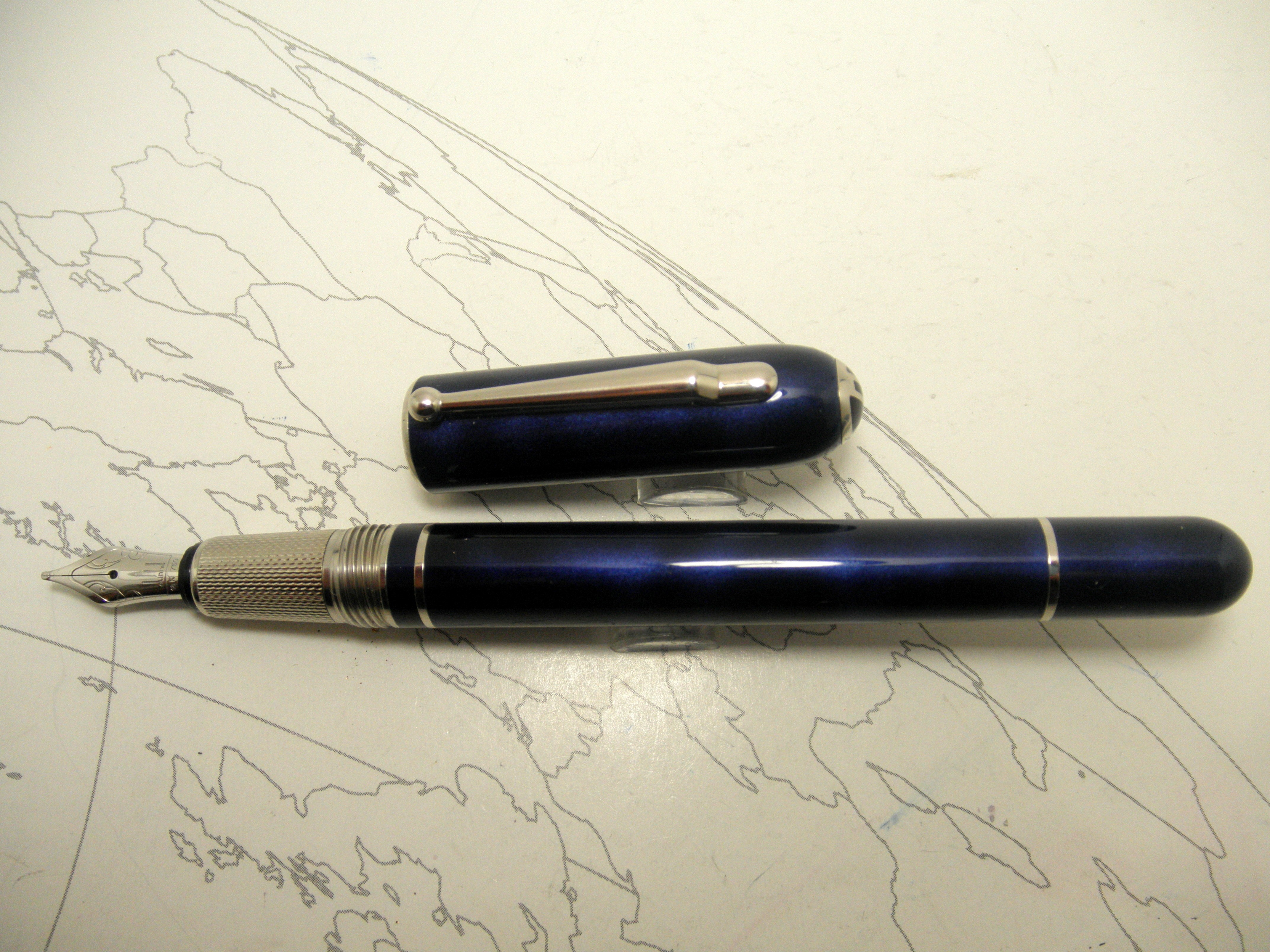 Alfred Dunhill Of London Side Car Fountain PenAlfred Dunhill Of London Side Car Fountain Pen