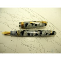 Conway Stewart 100 Cracked Ice Fountain pen