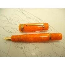 Delta Dolcevita Oro Midi Size Fountain Pen